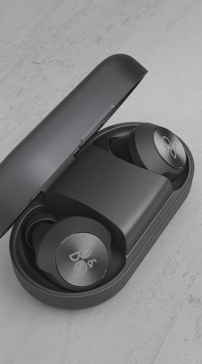 Beoplay EQ - Black - in case